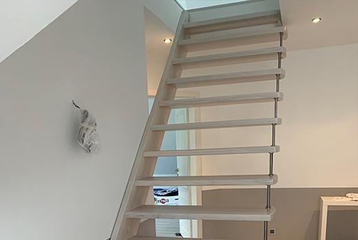 Die schmalen Stufen und die hochwertige Verarbeitung strahlen Modernität und Eleganz aus.